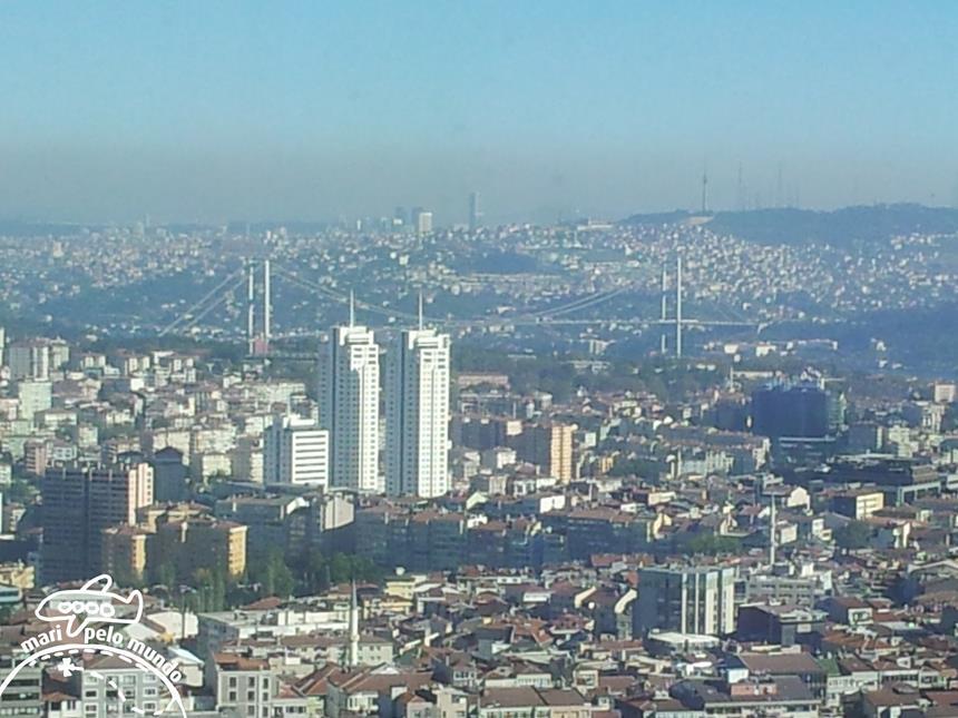 Istambul - Ponte sobre o Estreito de Bósforo Foto: Mari