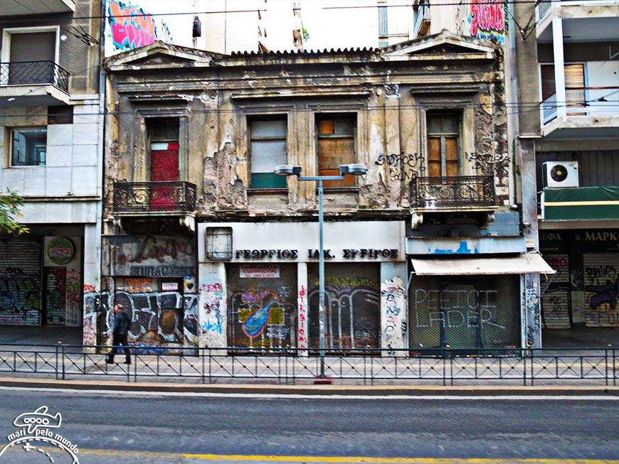 Atenas longe do centro: Ainda há muita restauração a ser feita