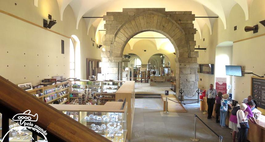 Bilheteria e entrada dos museus