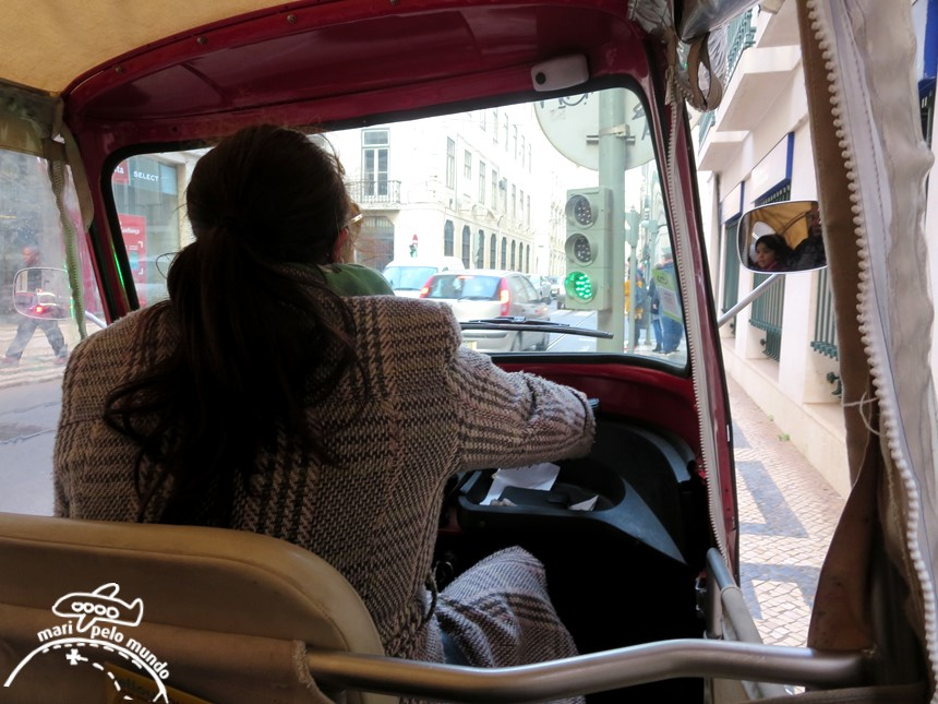 Andando de Tuk tuk em Lisboa