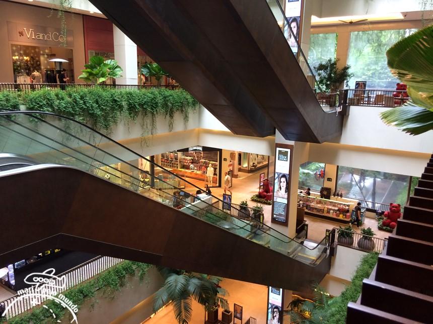 São Paulo: Livraria da Vila e o Shopping Cidade Jardim