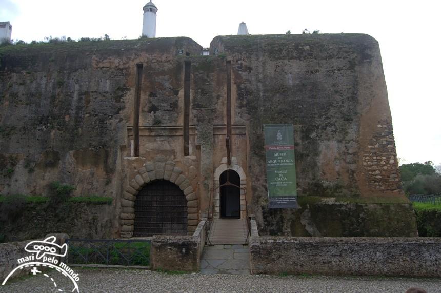 Entrada do castelo e museus