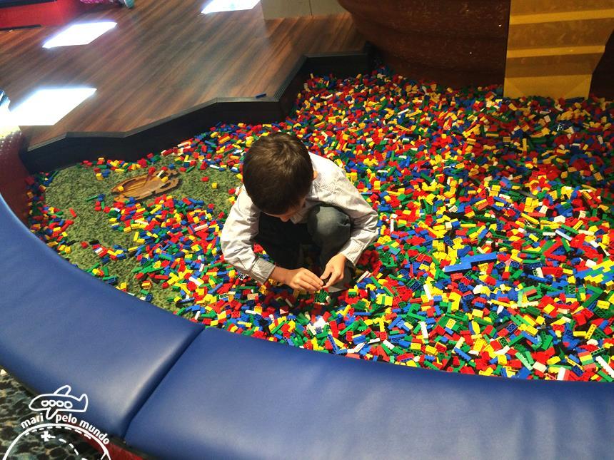 Piscina de peças de lego