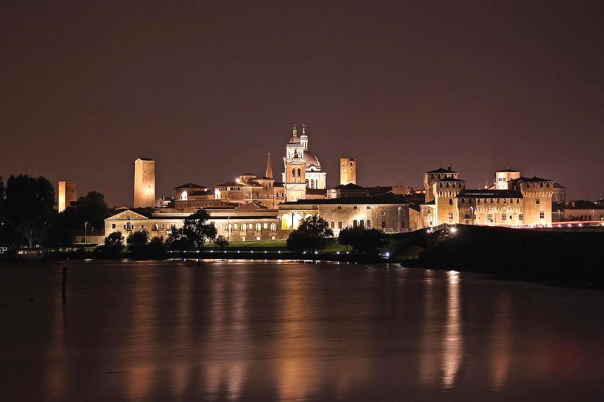 Mantova a noite