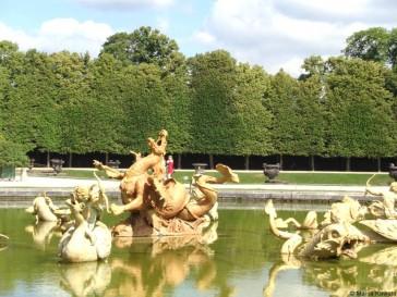 Visitando o Palácio de Versalhes com criança