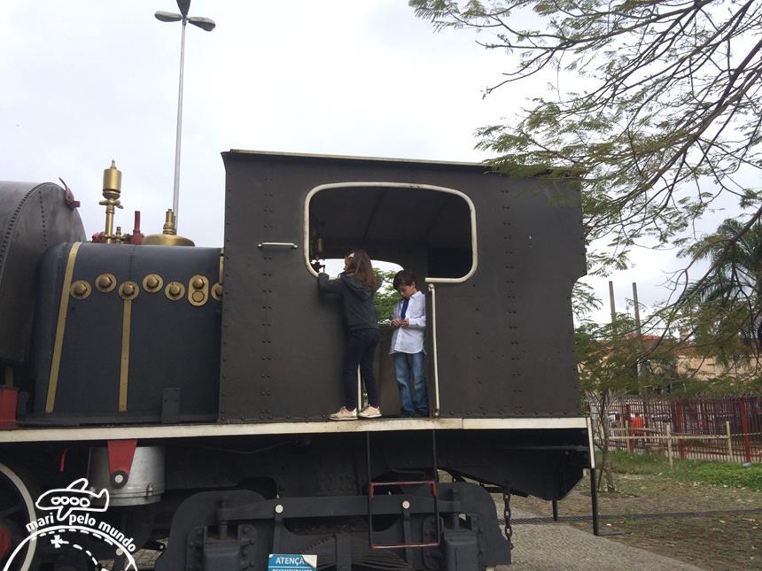 4-locomotiva-no-patio-do-palacio-copy