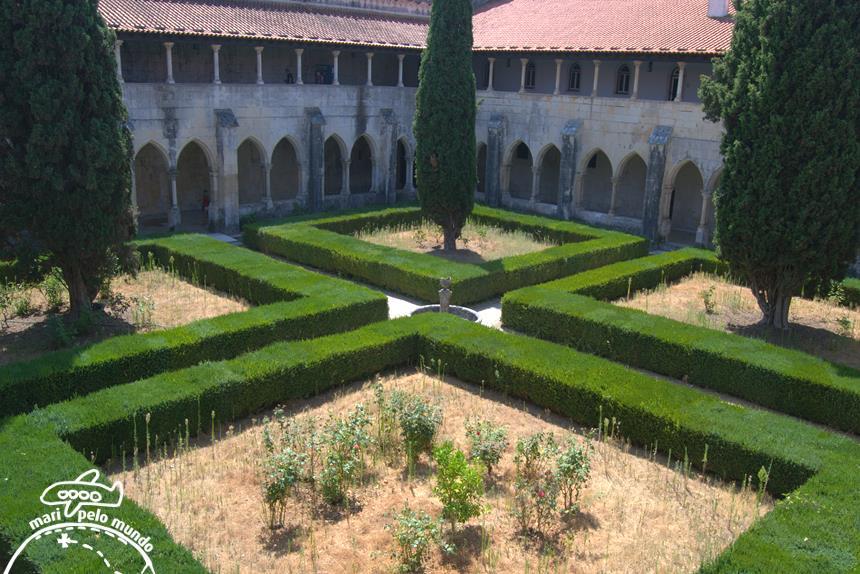 mosteiro-da-batalha-m25