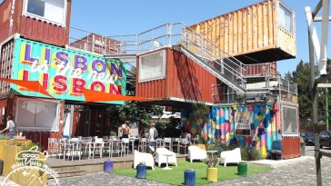 Cafetaria do Village Underground em Lisboa