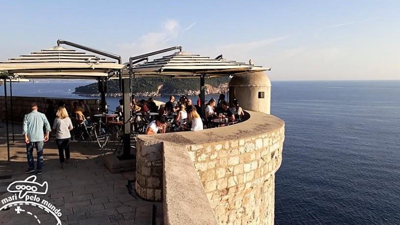 Passeio pela Muralha de Dubrovnik - bares