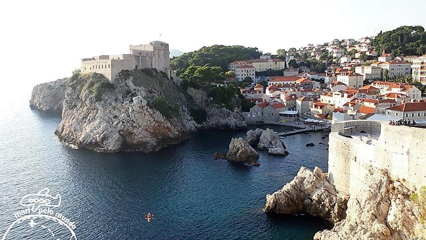 Passeio pela Muralha de Dubrovnik - vista para o Adriatico