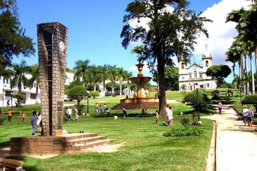 http://www.ipatrimonio.org/vassouras-conjunto-paisagistico-e-urbanistico/#!/map=38329&loc=-22.410020999999976,-43.661449,17